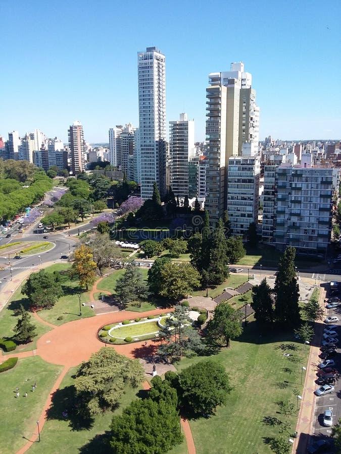 Flyg- sikt av staden av Rosario, Argentina royaltyfri foto