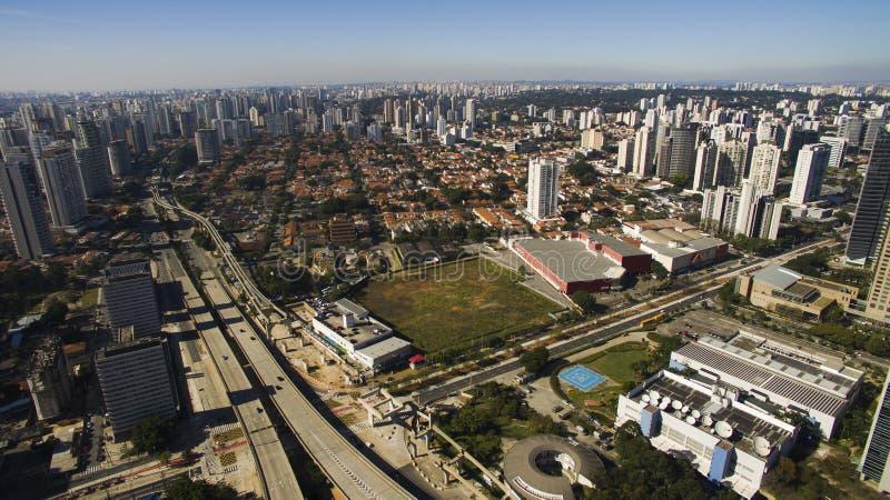 Flyg- sikt av staden av Sao Paulo arkivfoto