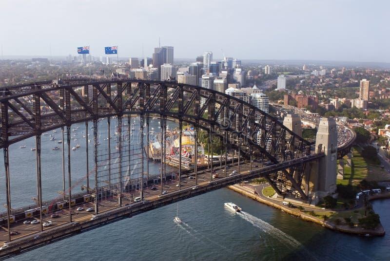 Flyg- sikt av Sydney Harbor Bridge royaltyfria foton