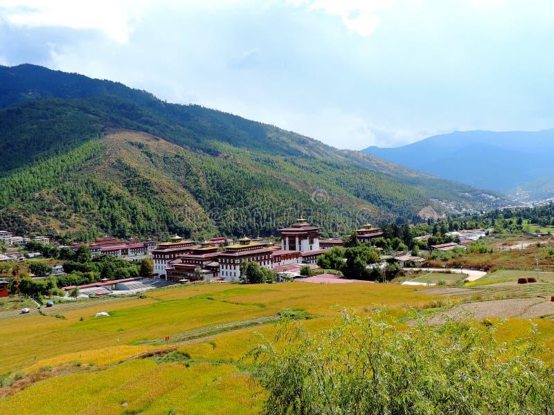 Flyg- sikt av Tashichho Dzong, Thimphu, Bhutan royaltyfri bild