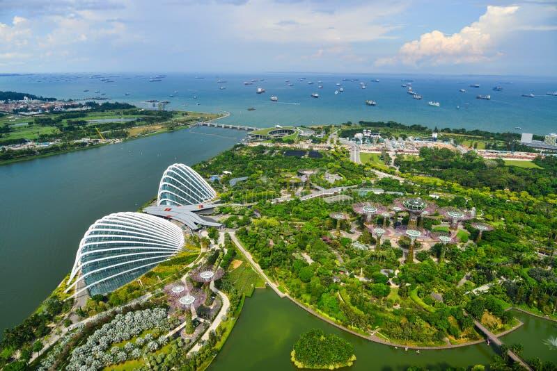 Flyg- sikt av trädgårdar vid fjärden i Singapore fotografering för bildbyråer