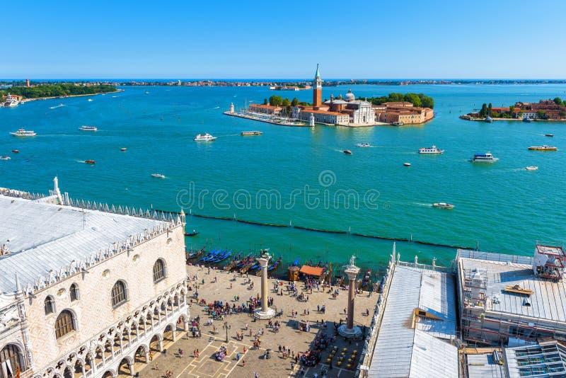 Flyg- sikt av Venedig med fyrkanten för St Mark ` s arkivfoto