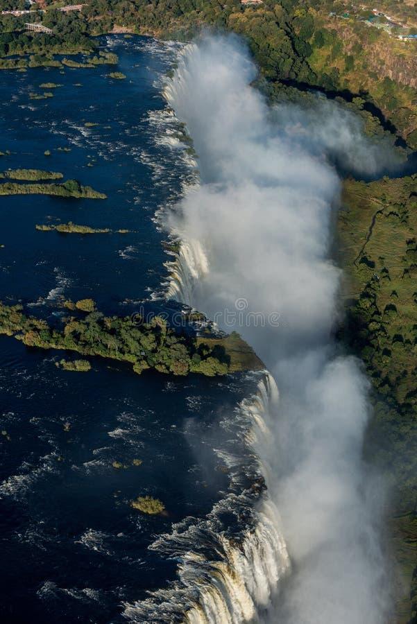 Flyg- sikt av Victoria Falls och sprej arkivfoto