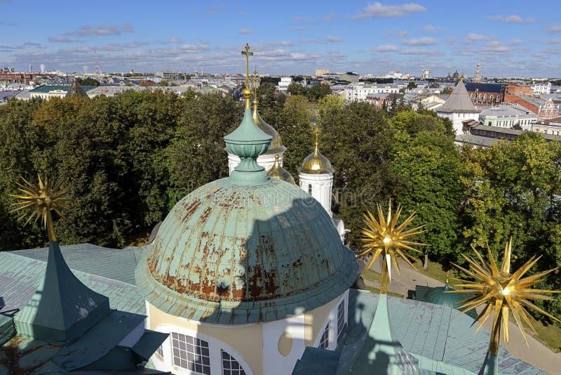 Flyg- sikt av Yaroslavl, höst royaltyfria bilder