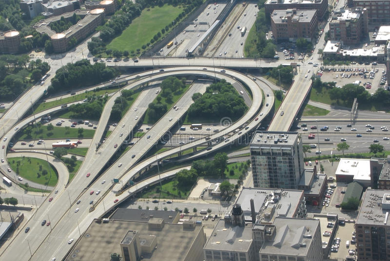 Flyg- sikt Chicago för infrastrukturmotorvägsystem royaltyfri bild