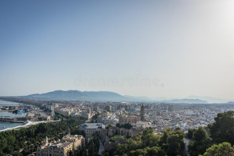 Flyg- sikt för Cityscape av Malaga, Spanien Domkyrkan av Malaga royaltyfria foton