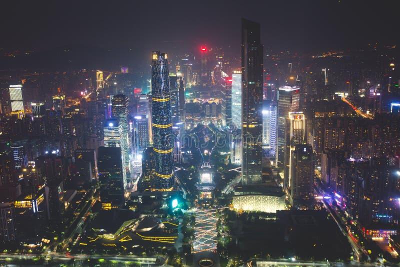 Flyg- sikt för härlig bred vinkelnatt av det finansiella området Guangzhou Zhujiang för ny stad, Guangdong, Kina med horisont och arkivbilder
