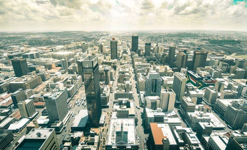 Flyg- sikt för horisont av skyskrapor i Johannesburg royaltyfri fotografi