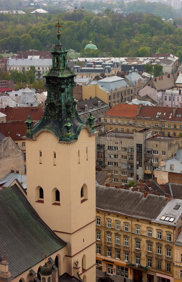 Flyg- sikt för stadstak arkivfoto