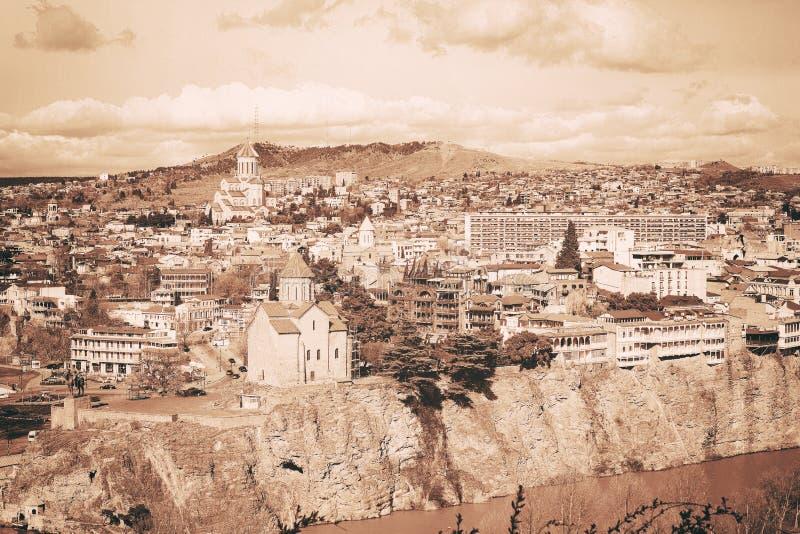 Flyg- sikt för Tbilisi centrum från den Narikala fästningen arkivbild