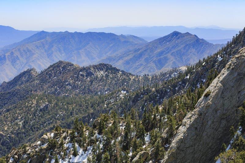 Flyg- sikt från den naturliga slingan på Palm Springs royaltyfri fotografi