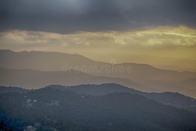 Flyg- sikt från det Tibidabo berget i Barcelona royaltyfria foton