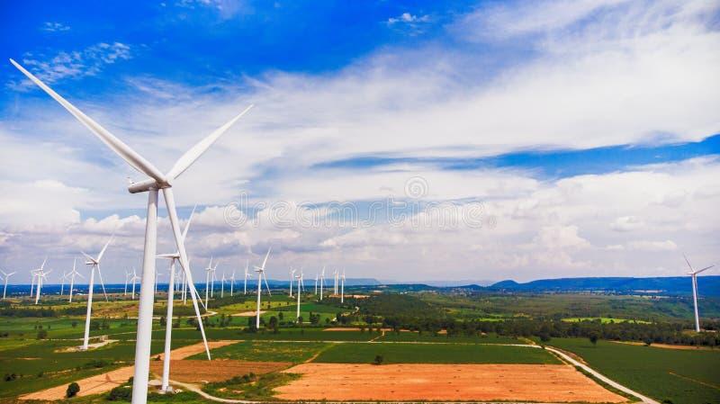 Flyg- sikt från turbinen för flygsurrvind på dagen royaltyfri bild