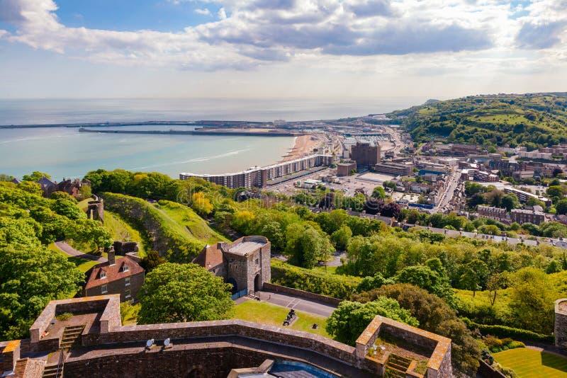 Flyg- sikt Kent Southern England UK för för Dover hamn och stad royaltyfri fotografi