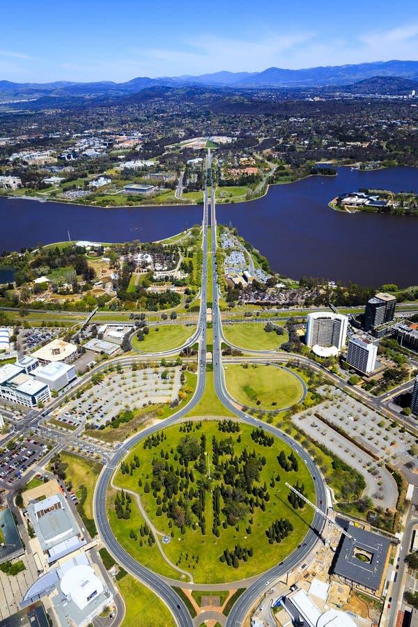 Flyg- sikt ovanför Canberra royaltyfria bilder