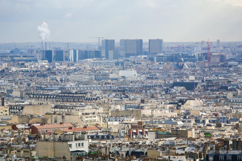 Flyg- sikt på mitten av Paris royaltyfri bild