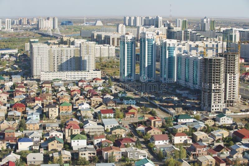 Flyg- sikt till Astana stadsbyggnader i Astana, Kasakhstan royaltyfria foton