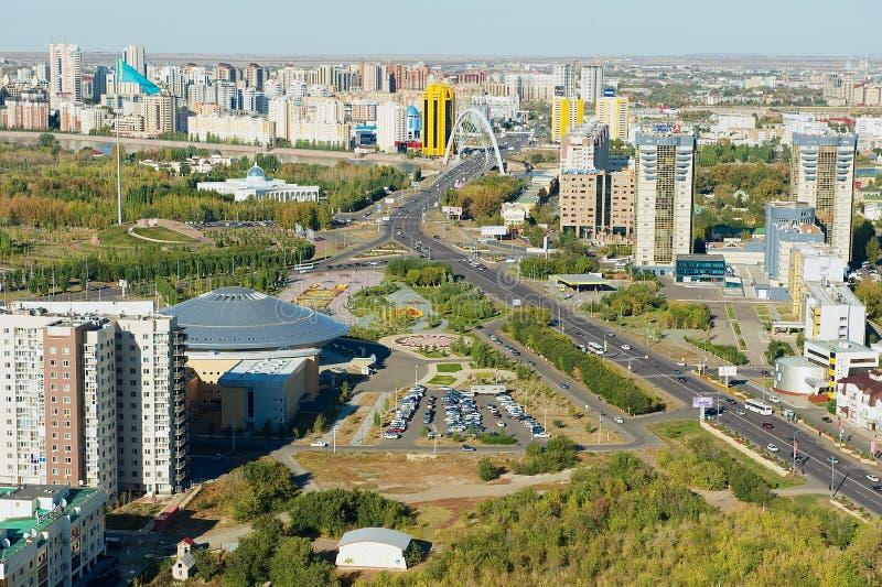 Flyg- sikt till stadsbyggnaderna i Astana, Kasakhstan arkivfoto