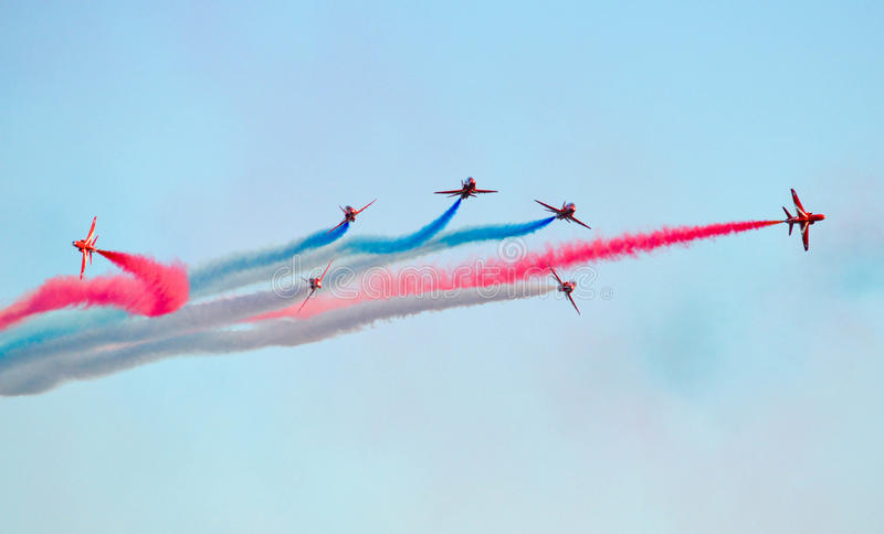 Flyg- skärmlag för röda pilar royaltyfri fotografi