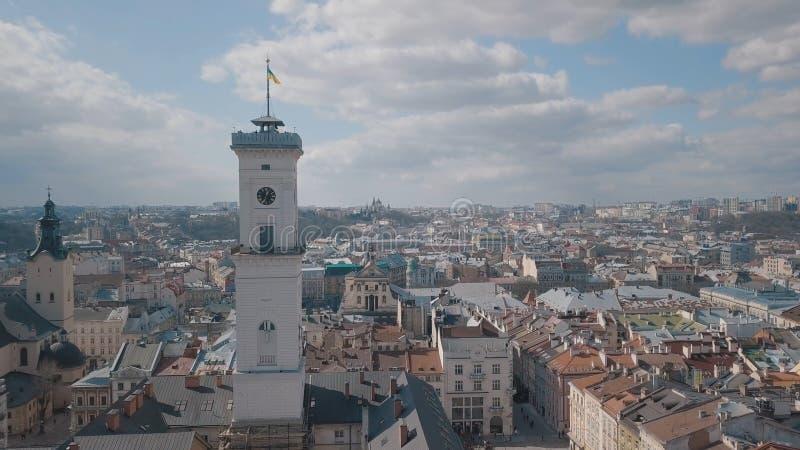 Flyg- stad Lviv, Ukraina Europeisk stad Popul?ra omr?den av staden rooftops fotografering för bildbyråer