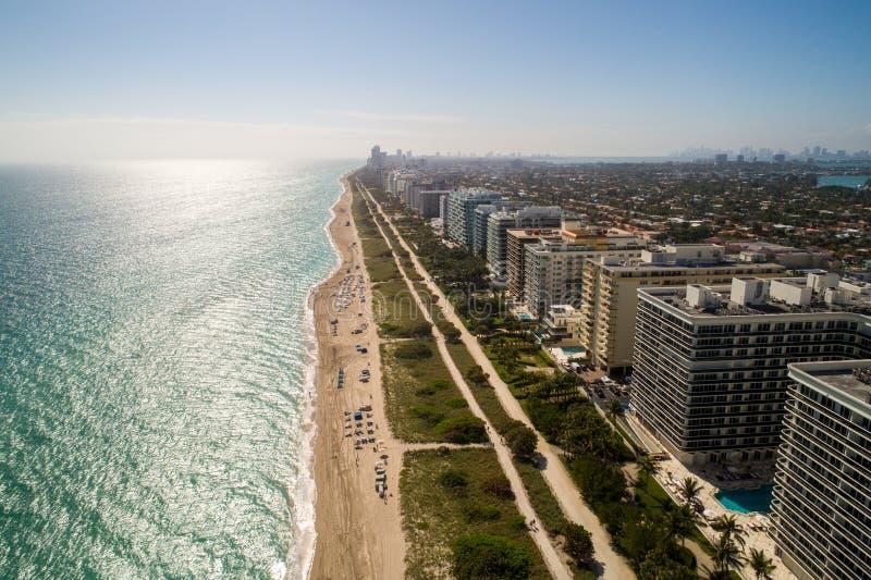 Flyg- strandsikt Bal Harbour Miami Florida arkivfoton