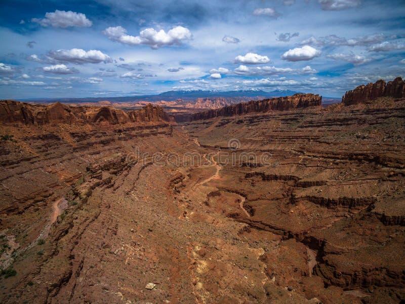 Flyg- surrfoto - det härliga ökenlandskapet av Moab Utah arkivfoto