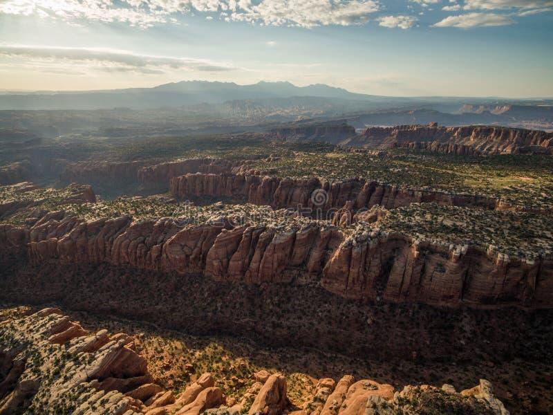 Flyg- surrfoto - det härliga ökenlandskapet av Moab Utah royaltyfri bild