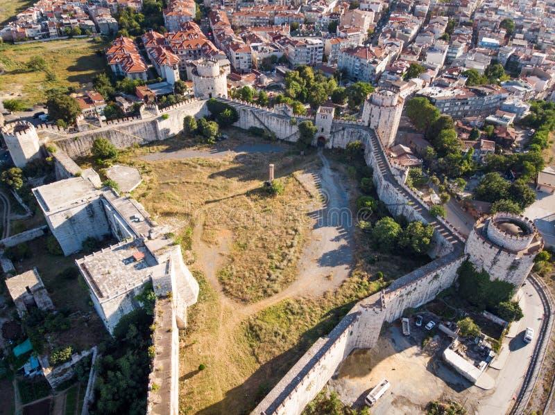 Flyg- surrsikt av den Yedikule fästningen i Istanbul/Turkiet royaltyfria foton