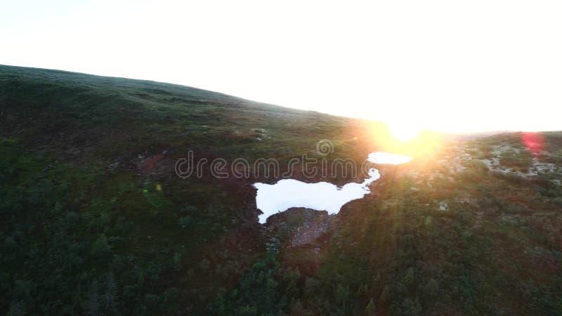 Flyg- tundraberglandskap arkivfoton