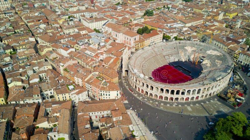 Flyg- video skytte med surret av Verona arkivfoto