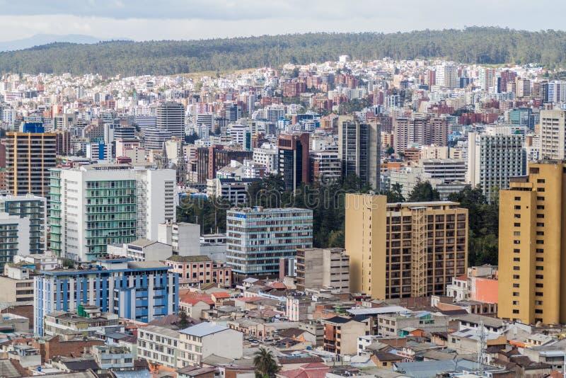 Flyg- viw av Quito arkivbilder