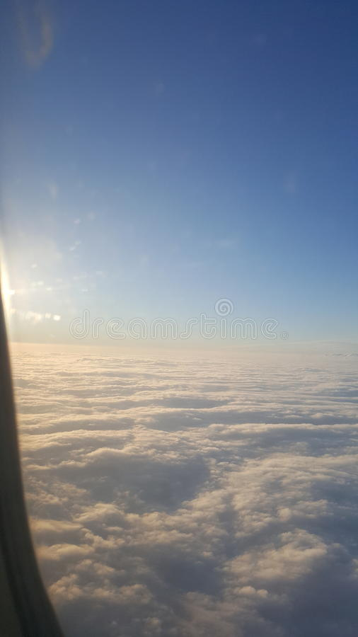 flyga high royaltyfri foto