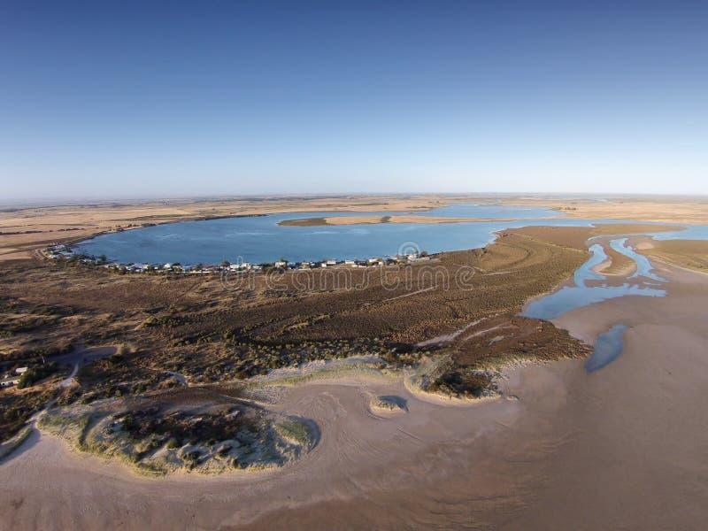 Flygbild av den Mundoo kanalen, Hindmarsh ö royaltyfri fotografi