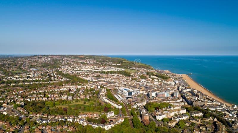 Flygbild av Hastings, östliga Sussex, England arkivbild