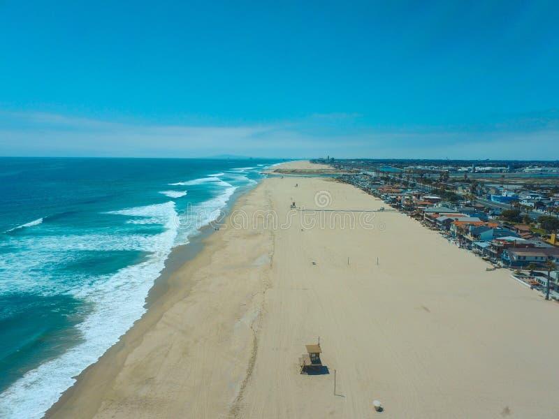 Flygbild för Newport strandKalifornien kust royaltyfri bild