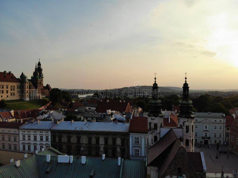 Flygbild fr?n surret Kulturen och den historiska huvudstaden av Polen Bekväma och härliga Krakow Landet av legenden royaltyfri bild