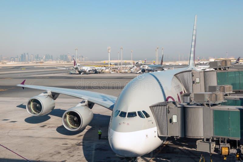 Flygbuss A380 i Qatar royaltyfri foto