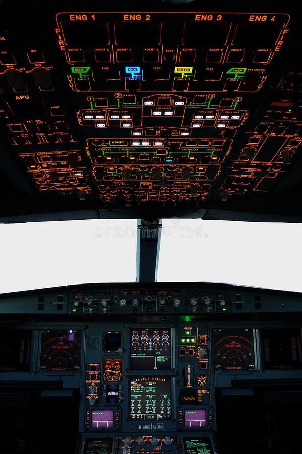 flygbusscockpit royaltyfri bild