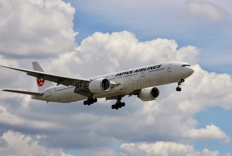 Flygplan av Japan Airlines royaltyfria bilder