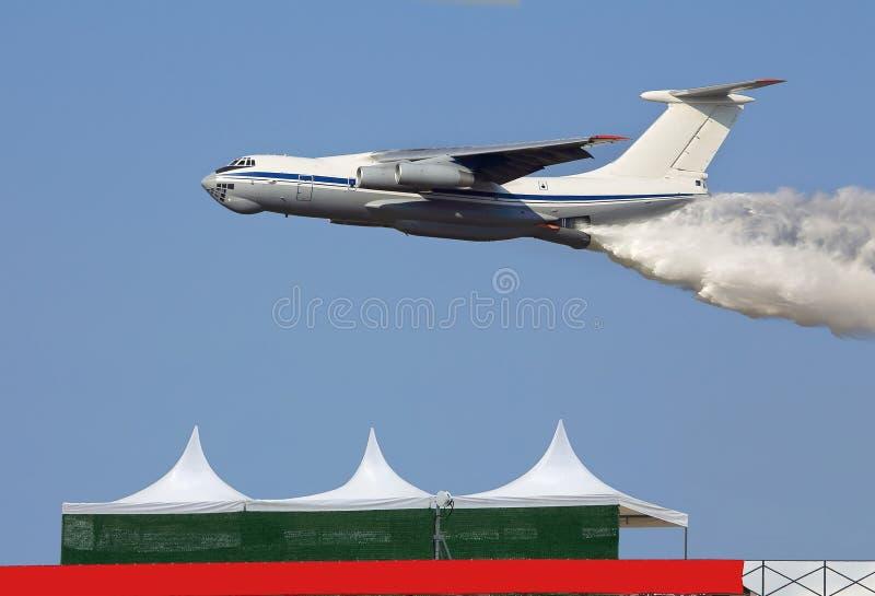 Flygplan för brandstridighet royaltyfri foto