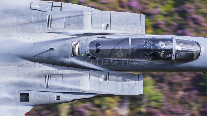 Flygplan för jaktflygplan för amerikanU.S.A.F. F15 militärt fotografering för bildbyråer