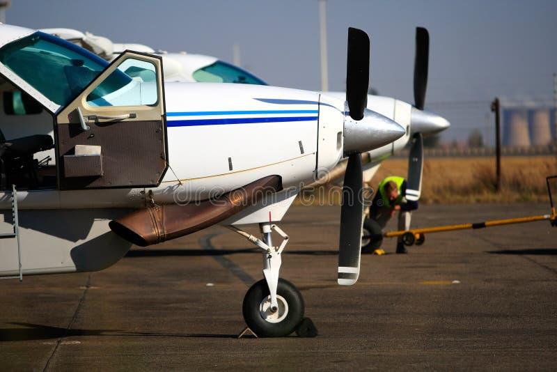 flygplan tänder två arkivbild