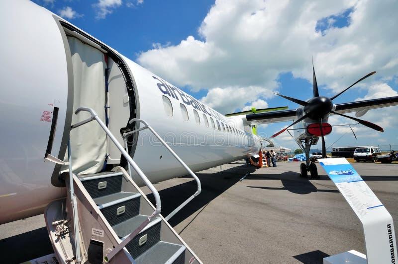 flygplanbombardierytterpassagerare q400 fotografering för bildbyråer