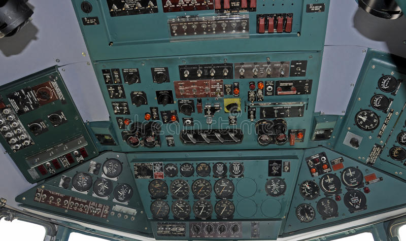 flygplancockpit royaltyfri bild
