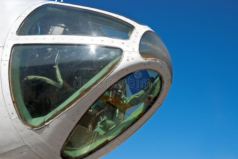 flygplancockpitnäsa arkivfoton