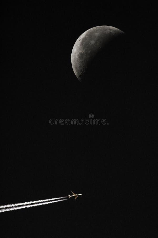 flygplanflygmoon arkivfoto