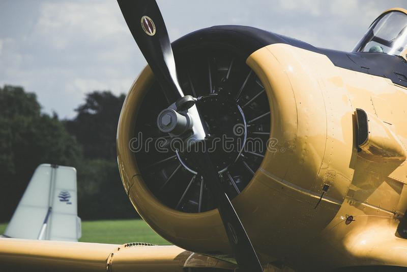 Flygplanpropeller Motorflygplan flygplan royaltyfria foton