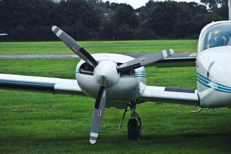 Flygplanpropeller Motorflygplan flygplan royaltyfri foto