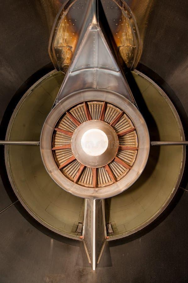 Flygplanturboladdarejetmotor, bakifrån arkivbilder