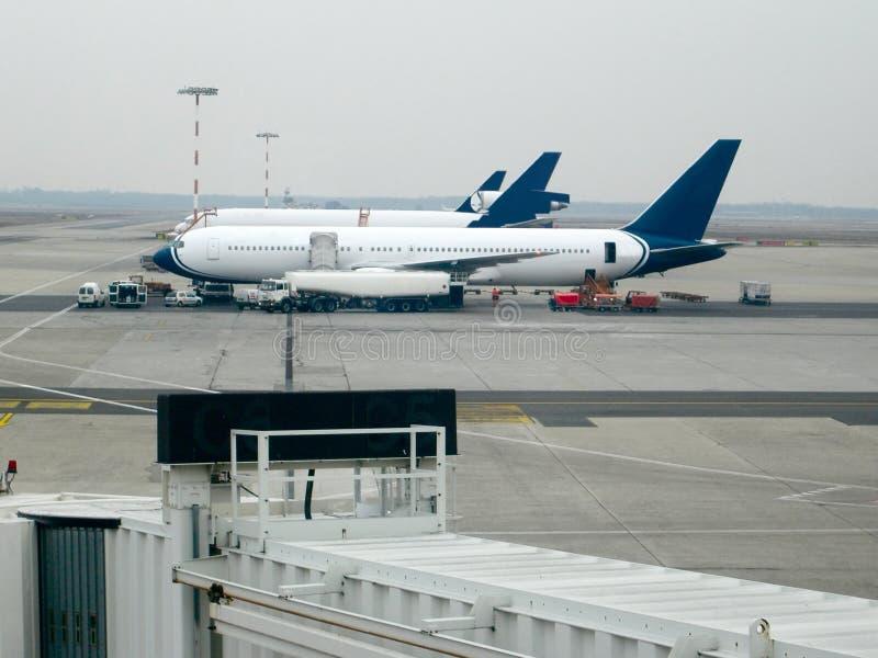 Download Flygplats malpensa fotografering för bildbyråer. Bild av vinge - 515703
